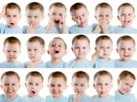 Научите ребенка выражать свои эмоции словами
