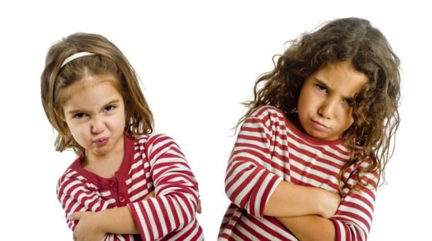 المقارنة تؤذي الطفل وخطأ يرتكبه الأهل فى التربية