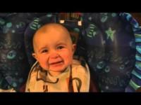 Песня мамочки до слез тронула сына