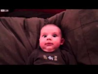 Реакция малыша на папин храп