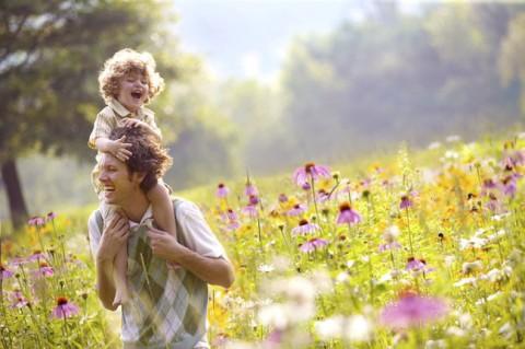 Как воспитать счастливого ребенка, не став несчастными самим