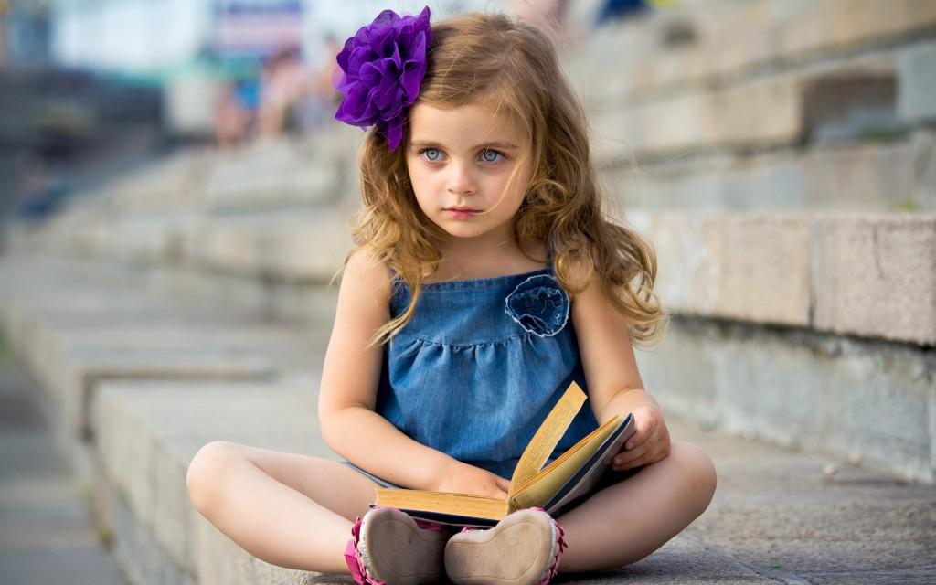 у дочери черные волосы на писки фото