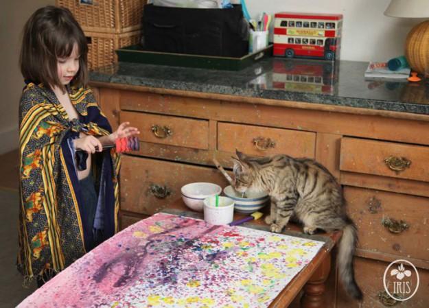 5-летняя-девочка-аутист-рисует-картины