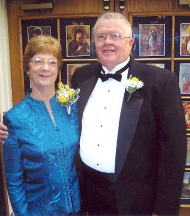 Дэвид и Рита Паттерсон из Денвера вновь обменялись клятвами на золотую свадьбу