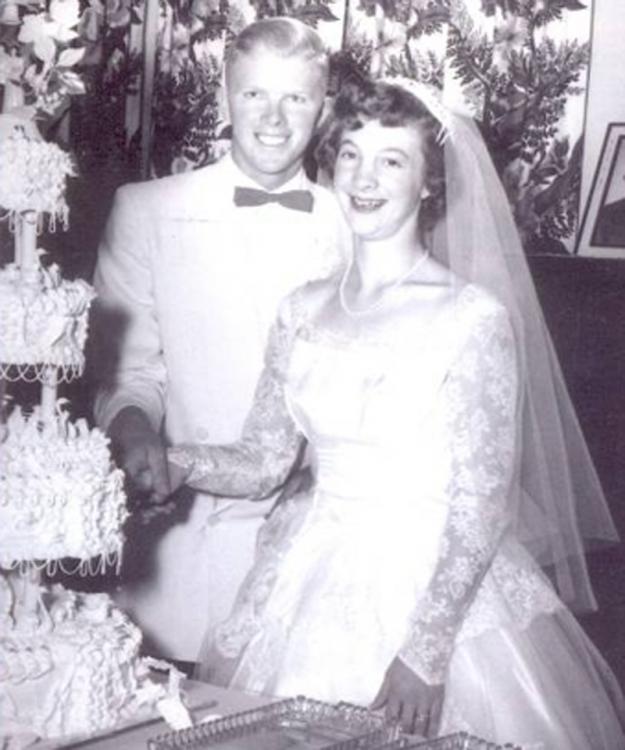 Дэвид и Рита Паттерсон из Денвера вновь обменялись клятвами на золотую свадьбу2