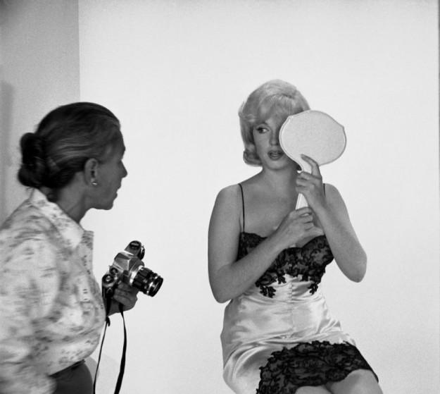 Мэрилин и та самая фотограф Ив Арнолд.