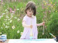 Девочка-аутист рисует шедевры