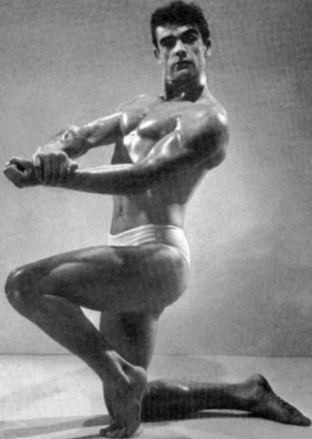 Культурист Шон Коннери, конкурс бодибилдеров, 1953