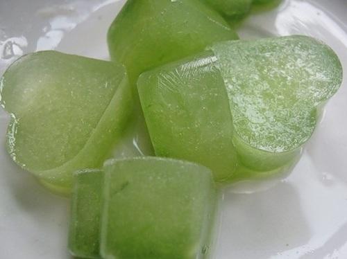 сок алое в формах для льда