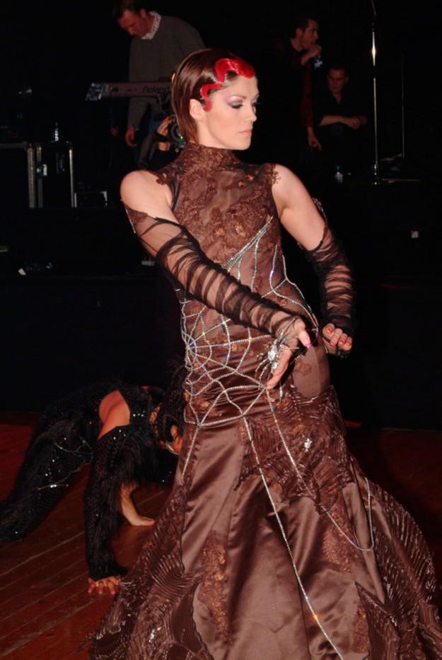 Платье с бриллиантами от бельгиского дизайнера Nicky Vankets. 6 500 000 долларов
