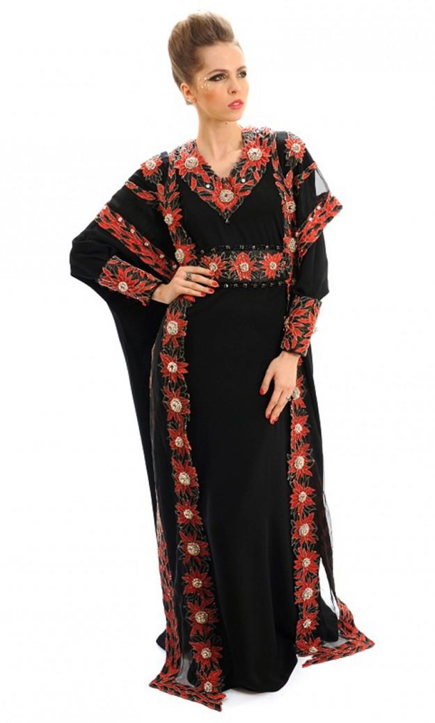 Традиционное мусульманское платье от Debbie Wingham, сшитое из золотых нитей, украшенное редчайшими красными бриллиантами. 17 700 000 долларов