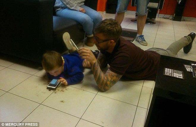 парикмахер и мальчик аутист