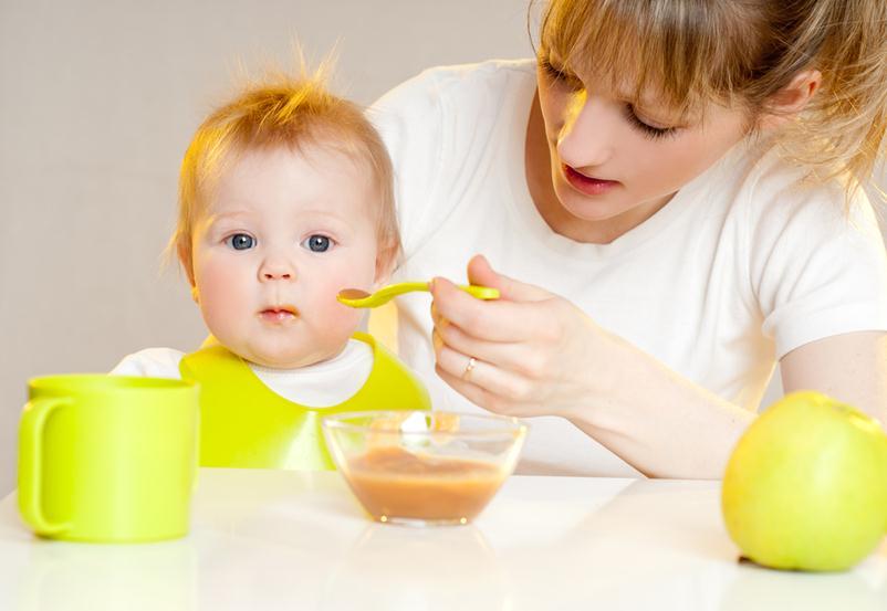 почему нельзя кормить ребенка перед телевизором