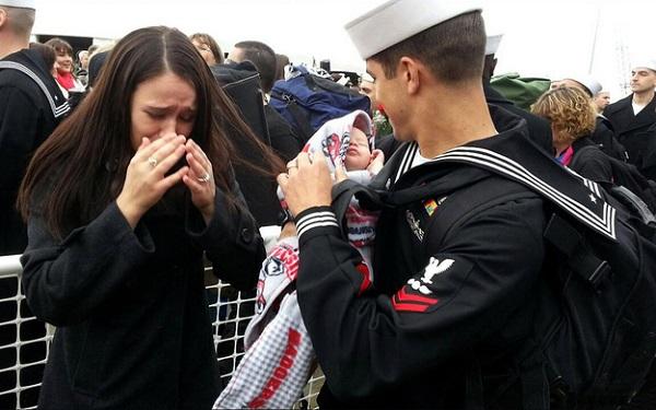 военные впервые увидели детей