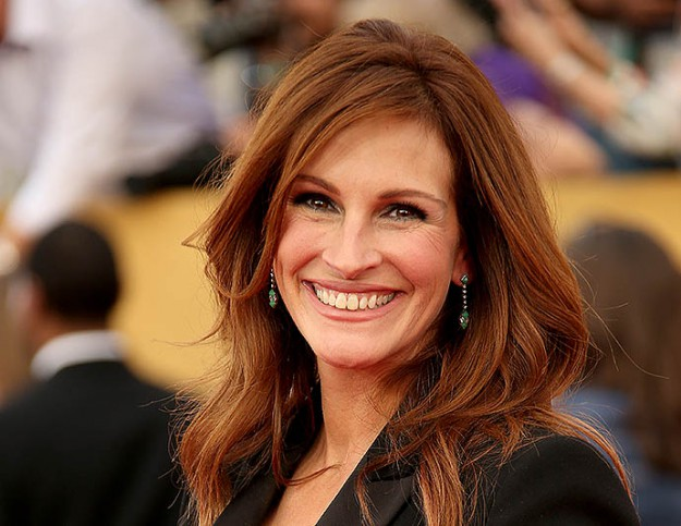 LOS ANGELES, CA - JANUARY 25: Actress Julia Roberts attends TNT's 21st Annual Screen Actors Guild Awards at The Shrine Auditorium on January 25, 2015 in Los Angeles, California. (Photo by Dan MacMedan/WireImage)