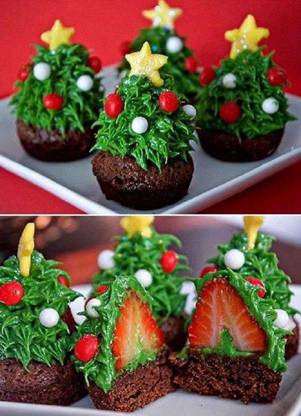 Мини-кейки с клубникой и сливками