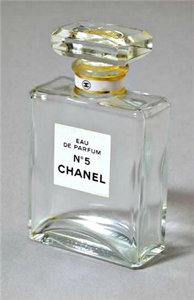 Шанель №5 - предел мечтаний тех времен, о которых мы часто слышали из фильмов