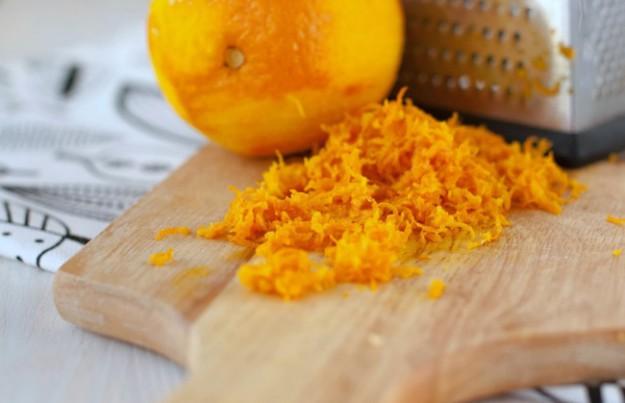Также мандариновая цедра отлично дополняет выпечку, а также вторые блюда