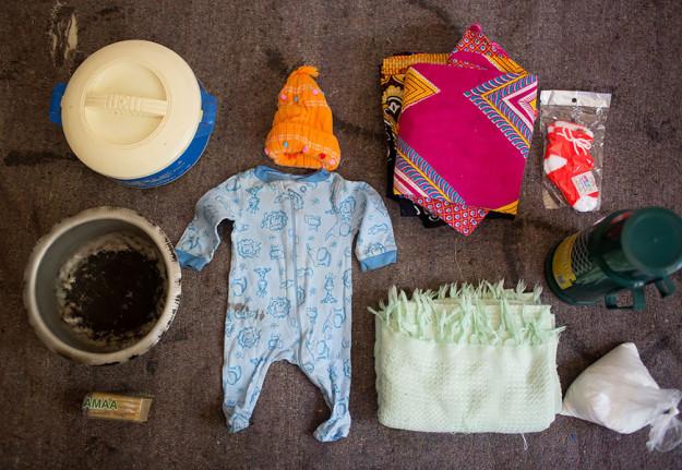 1455026072_2-bags-content-pregnant-women-world