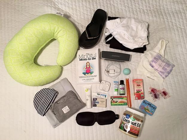 1455026074_8-bags-content-pregnant-women-world