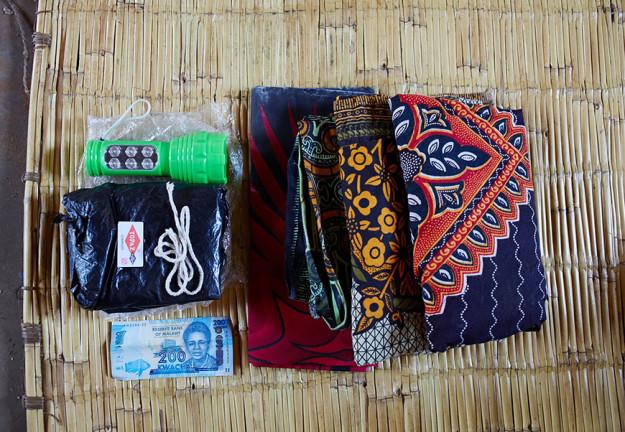 1455026150_6-bags-content-pregnant-women-world