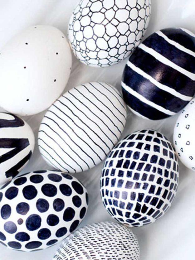 Черно-белые графические яйца
