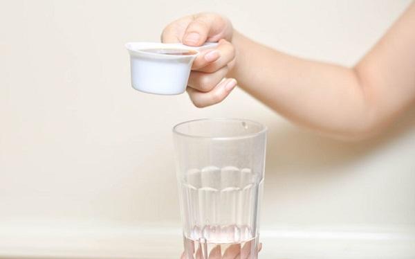 Отличной подкормкой для вазонов станет смесь воды с молотым вареным кофе в соотношении 11