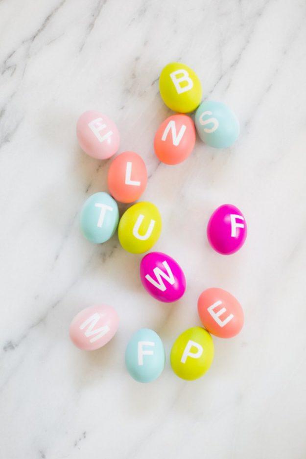 Пасхальные яйца с алфавитом