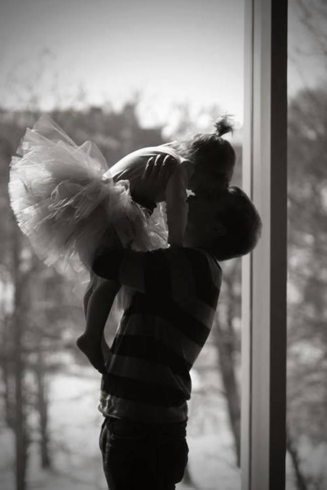 трогательное фото папы и дочери