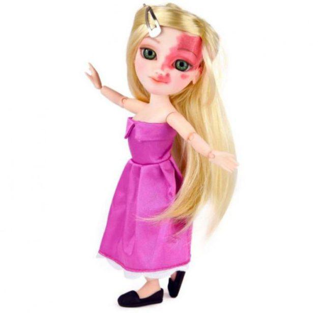 кукла с родимым пятном