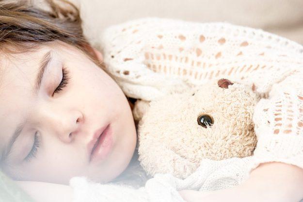 sleeping-1311784_640