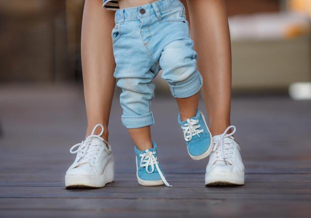 летние прогулки с малышами двух лет