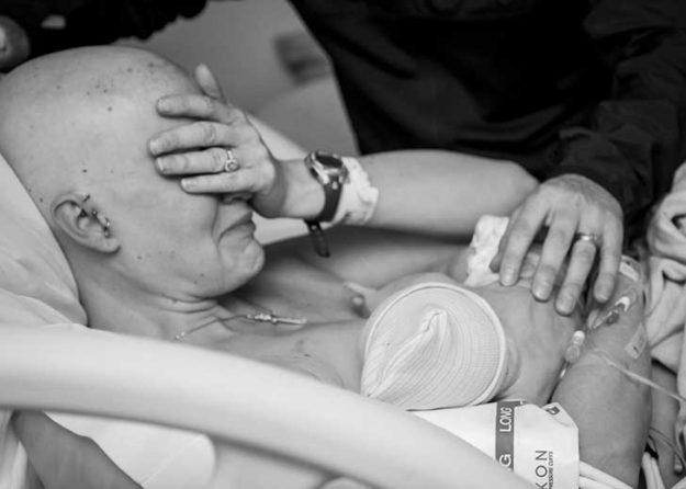 мама с раком груди родила ребенка