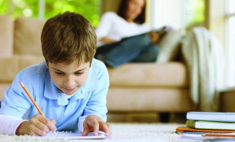 Стоит ли помогать ребенку с выполнением домашних заданий