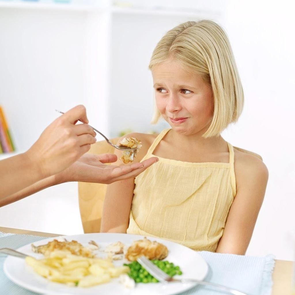 почему не стоит насильно кормить ребенка