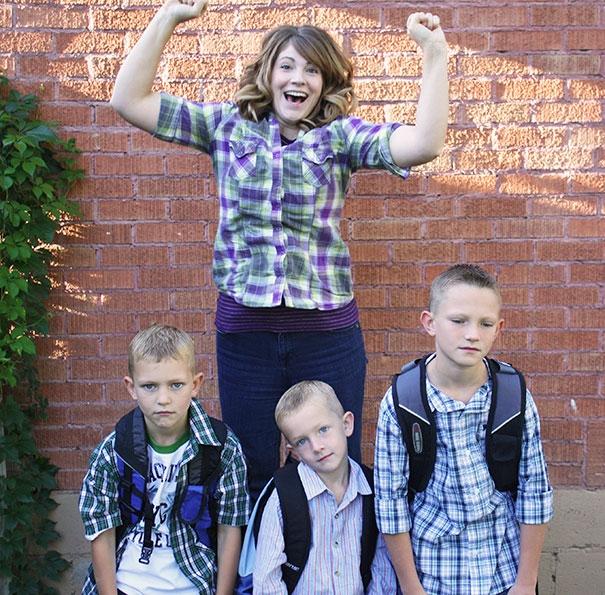 дети в школу мама дома