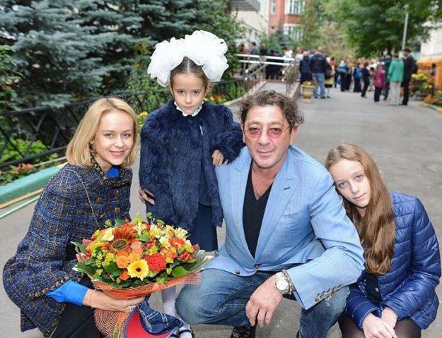И Григорий Лепс выложил праздничное фото с детками