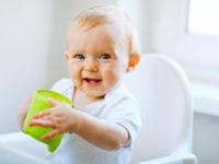 Почему детям до года нельзя пить коровье молоко