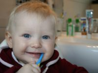 Как приучить ребенка чистить зубы? Сказкой!