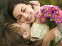 Подборка красивых и трогательных стихотворений о маме
