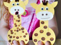 Простой, но классный картонный жирафик для пальчиковых игр