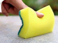 Как с помощью обычной кухонной губки решить целых 15 хозяйственных проблем