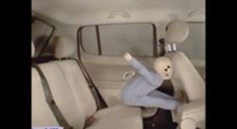 Серьезное видео, которое научит родителей ВСЕГДА сажать детей в автокресло в машине