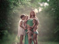 Кормящие мамы еще никогда не выглядели так волшебно. Красивейший фотопроект