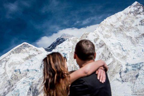 Пара год готовилась к экстремальной свадьбе на вершине Эвереста