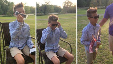 Родители подарили мальчику на день рождения очки, которые довели его до слез радости