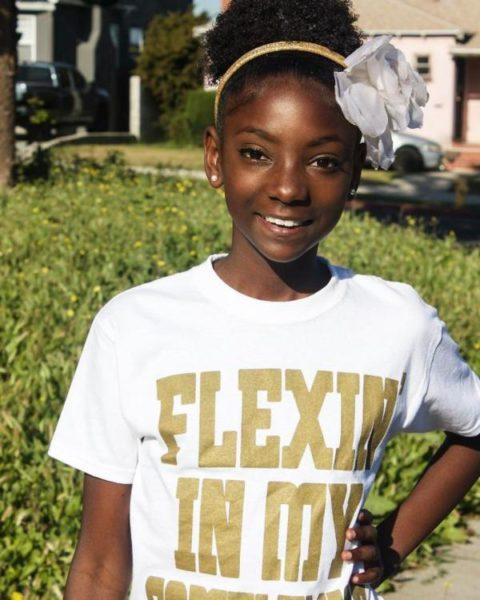 10-летняя девочка, над которой смеялись в школе из-за цвета кожи, создала свой бренд одежды