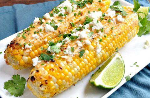 Как вкусно приготовить кукурузу: 3 аппетитных варианта для всей семьи