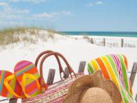 С ребенком на пляж: что взять? О чем не забыть?