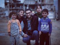 Палестинский фотограф своими снимками показал, что дети – сильнее войны